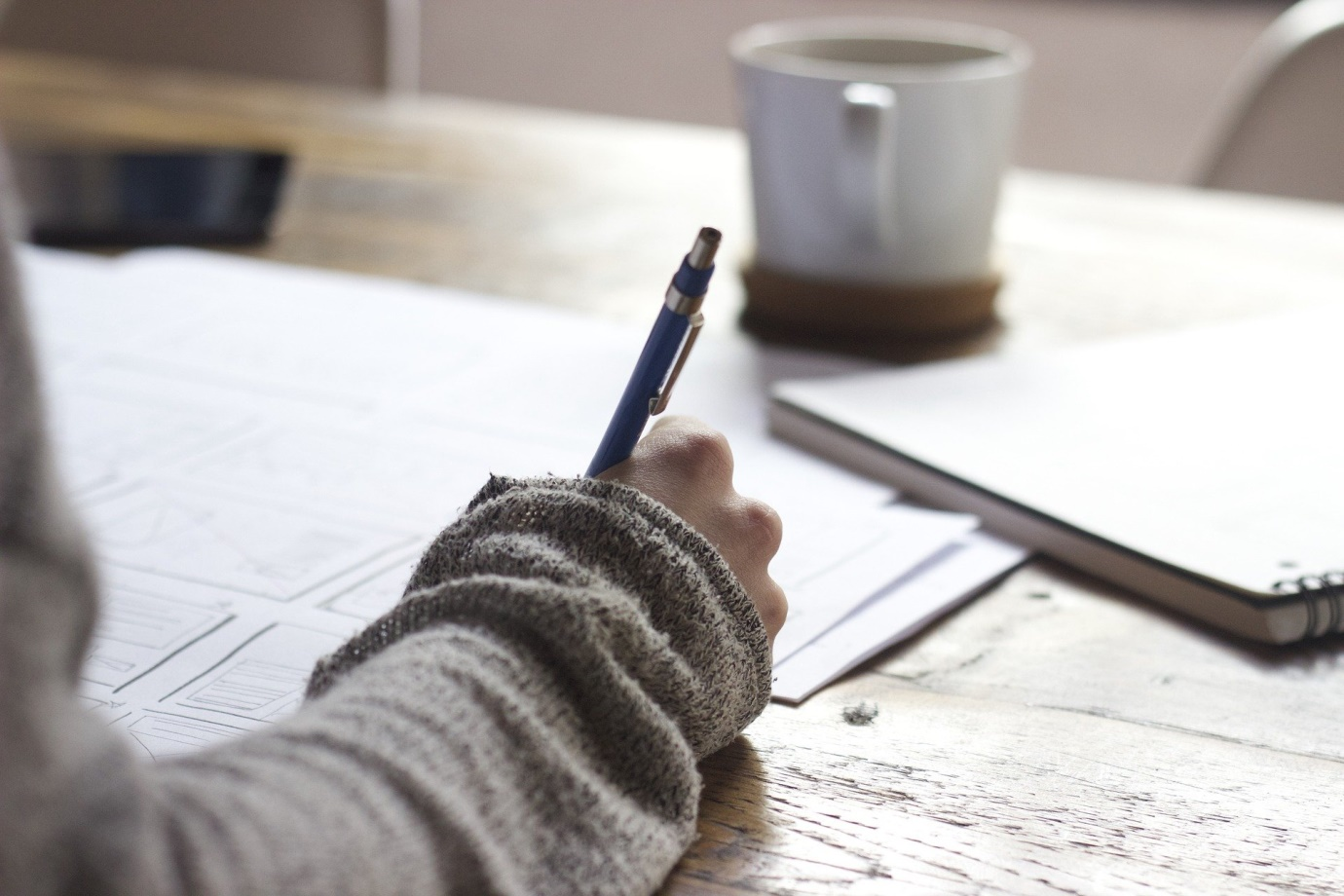 How to write a strong body paragraph for an essay